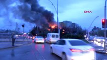 Ankara'da Hastane Yanındaki Kafede Çıkan Yangın Paniğe Neden Oldu