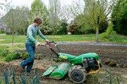 Les Experts Jardin:  Doit-on passer le motoculteur dans le jardin