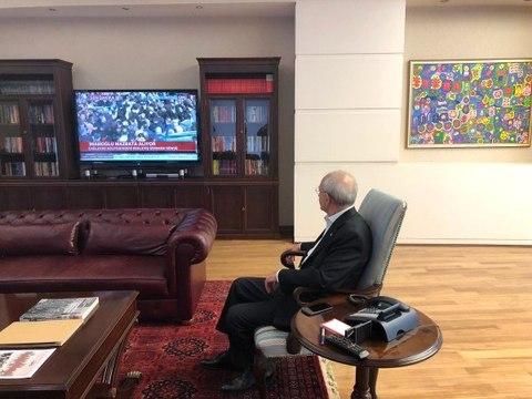 Kılıçdaroğlu, İmamoğlu'nun Mazbata Almaya Gittiği Anı Televizyondan İzledi