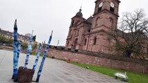 Les cloches de Saint-Dié-des-Vosges sonnent en hommage après l'incendie à la cathédrale Notre-Dame de Paris
