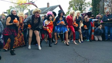 Runners Conquer the High Heel Drag Race