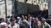Les catholiques célèbrent le Vendredi Saint à Jérusalem