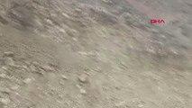 Van Çatak'ta Meydana Gelen 3 Ayrı Heyelan Yolları Kapattı