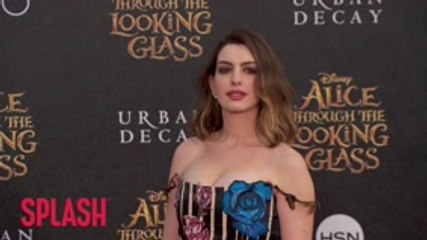 Anne Hathaway Quit Veganism During Matt Damon Dinner