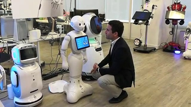 Teodoro García Egea logra que un robot pida el voto al PP