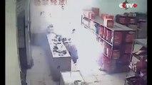 Un homme ivre met le feu à une boutique de feux d'artifices