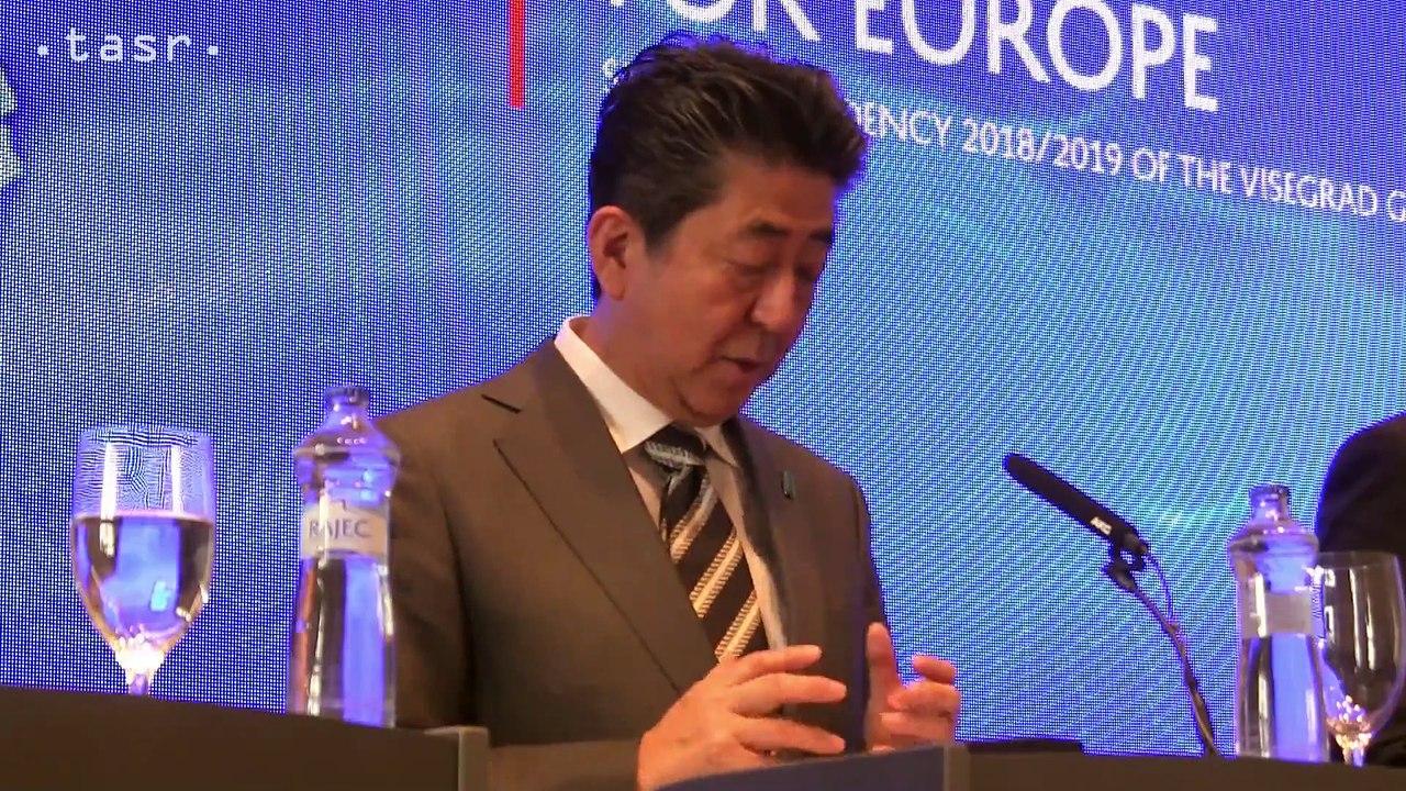 """V4+Japonsko: Premiér Japonska Šinzó Abe - """"Japonské firmy si uvedomujú obrovský ekonomický potenciál krajín V4"""