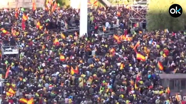 Vox reúne a 20.000 seguidores en Colón en su último acto antes de que España vaya a las urnas