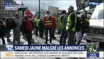 Les gilets jaunes et les gilets rouges des syndicalistes se sont réunis pour une manifestation à Paris