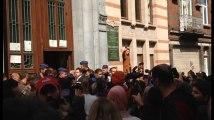 Environ 200 manifestants devant l'École n°1 de Schaerbeek après des soupçons de pédophilie