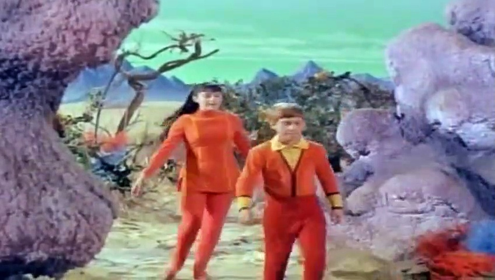 Lost in Space  S 02 E 09  The Thief from Outer Space