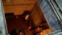 Le bourdon du carillon de Bergues réinstallé tout en haut du beffroi