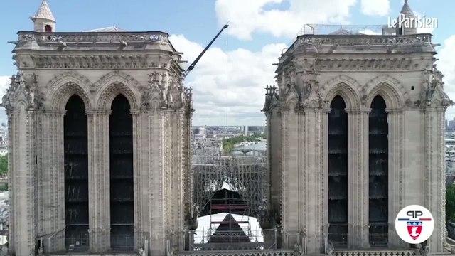 La cathédrale Notre-Dame entièrement bâchée