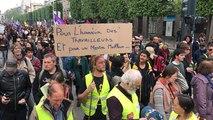 Gilets jaunes et militants écolos et pro migrants au 1er mai à Rennes