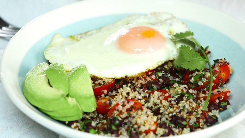 How to Make Quinoa Bowls with Avocado and Egg