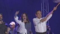 """Favorito en los sondeos cierra campaña y promete """"hacer sin robar"""" en Panamá"""