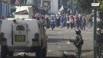Guaido supporters clash with Venezuelan National Guard in Сaracas