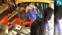 Women Thief Caught In CC Camera