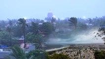 Cyclone Fani ने मचाई तबाही, मौसम वैज्ञानिकों ने 48 घंटे के लिए जारी किया अलर्ट | वनइंडिया हिंदी