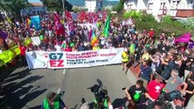 Thousands march on the French-Spanish border against G7 summit