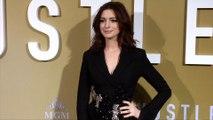 "Anne Hathaway ""The Hustle"" Premiere Golden Carpet"