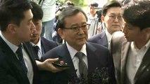 [현장영상] 김학의, 검찰 수사단 출석...'뇌물·성범죄' 피의자 신분 / YTN