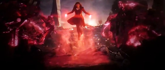 Scarlet Witch vs Thanos