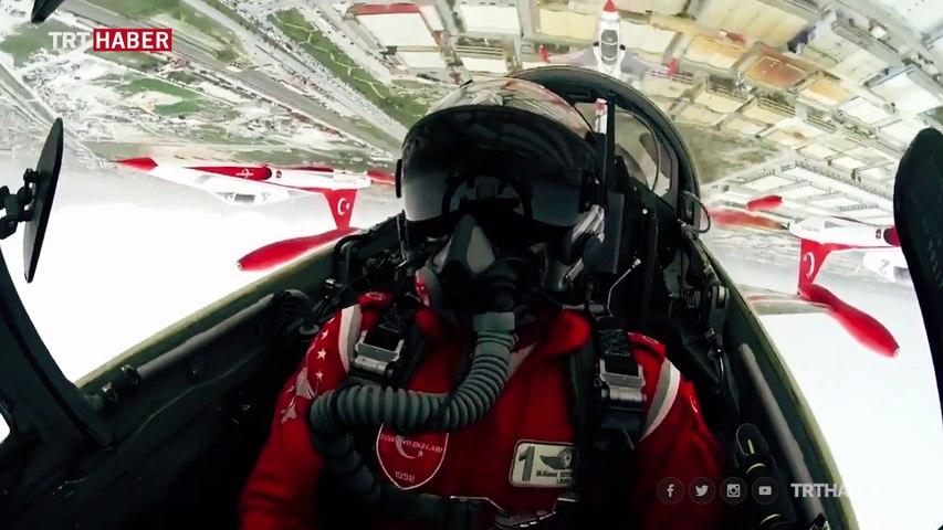 Türk Yıldızları pilotundan dünyada bir ilk
