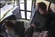 Cette chauffeur de bus sauve la vie d'un enfant qui descendait devant une voiture !