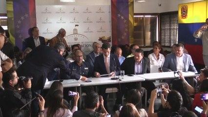 """Guaidó denuncia """"golpe no Parlamento"""""""
