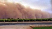 Une immense tempête de sable capturée par des caméras