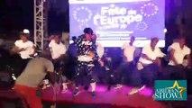 safarel obiang en prestation (Fête de l'Europe)