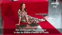 """Anne Hathaway """"émue"""" par son étoile à Hollywood"""
