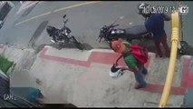 Vítimas precisam ajudar assaltantes a ligar moto