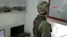 Hakkari Derecik'teki Askere 'Anneler Günü' Sürprizi