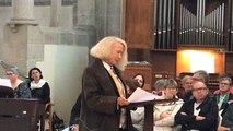 Plus de 400 spectateurs écoutent Brigitte Fossey
