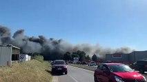 Gignac : un feu de pneumatiques provoque une impressionnante fumée noire