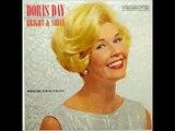 Doris Day chante Keep Smilin, Keep Laughin, Be Happy