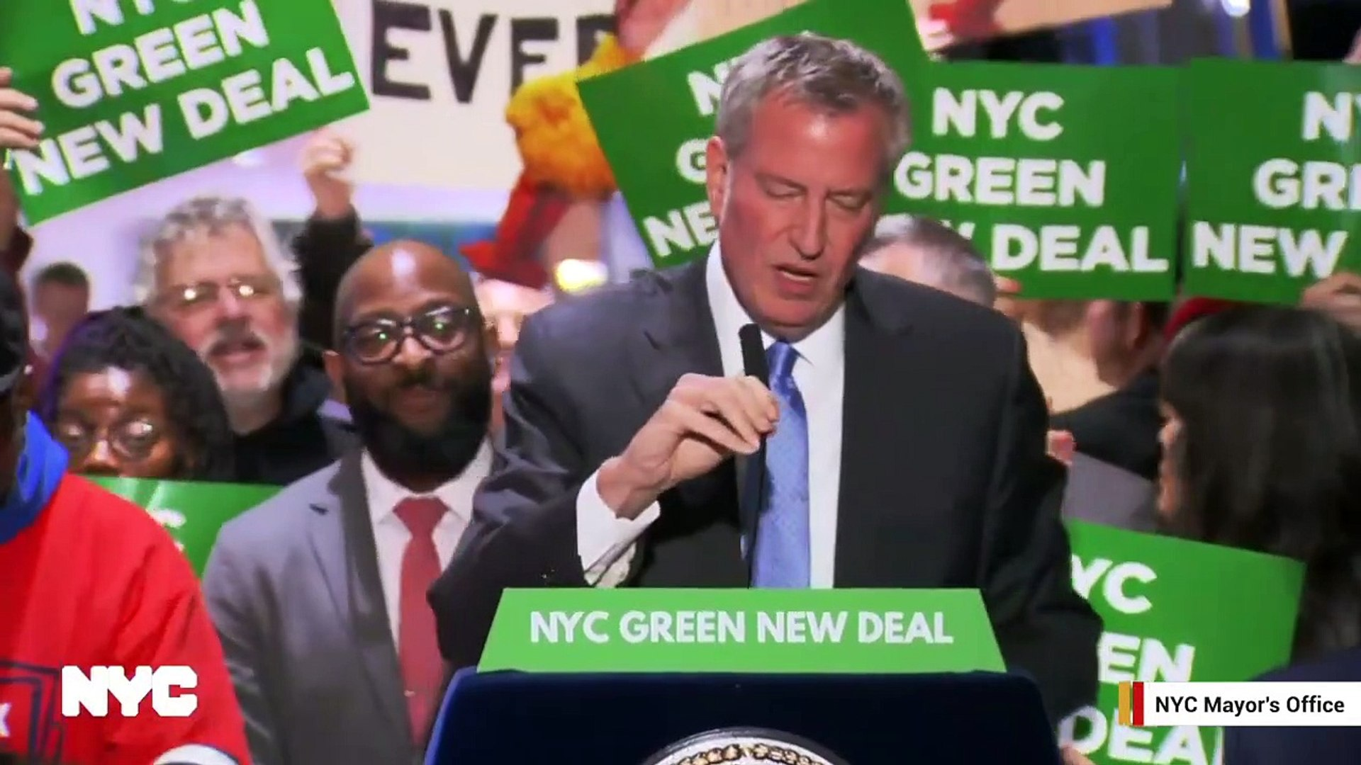 Watch: NYC Mayor Bill de Blasio's Press Conference At Trump Tower Disrupted By Loud Music And T