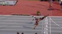 L'athlète Infinite Tucker a tout donné pour remporter ce 400m haies !