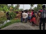 റോഡരികില് കൂട്ടിയിട്ടിരുന്ന മെറ്റലില് കയറി സ്കൂള് ബസ് മറിഞ്ഞു School Bus Overturns | DeepikaNews