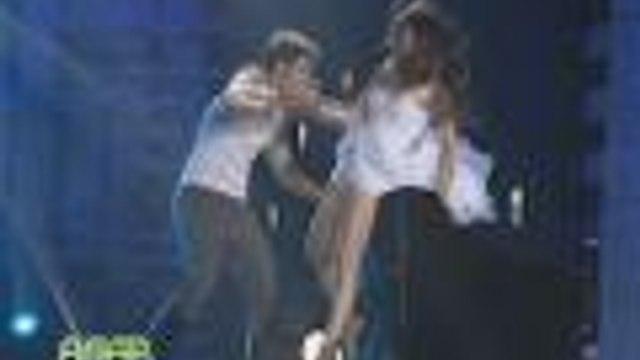 Kim vs Maja in a dance face off on ASAP19