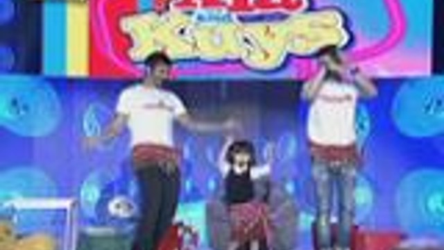 Kuys Billy and Vhong nakipagbelly dancing kasama si Xia
