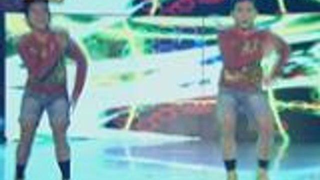 Makapigil hiningang buwis buhay performance of Junior New System sa It's Showtime