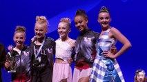 Maddie faz Abby Lee surtar e chorar com notícia! | DANCE MOMS | LIFETIME