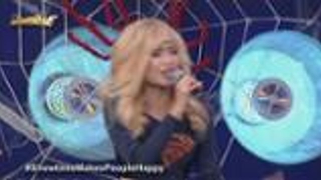 Super Girl Mrytle sings Uptown Funk