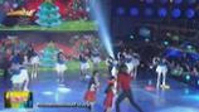 Aimi kasama ang mga It's Showtime kids at ToMiho may cute na Christmas performance