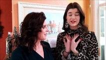 Maria Doyle, non-voyante, aux côtés de sa fille Tara Cuche, candidate à l'élection de Miss Meurthe-et-Moselle