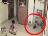 Il filme des phénomènes terrifiants dans la chambre de sa fille... Esprits et fantomes!