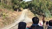 Le pilote de rallye Thierry Neuville rate son virage et part en tonneaux - rally